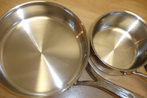 Eco-friendly metal pot and pan cleaner