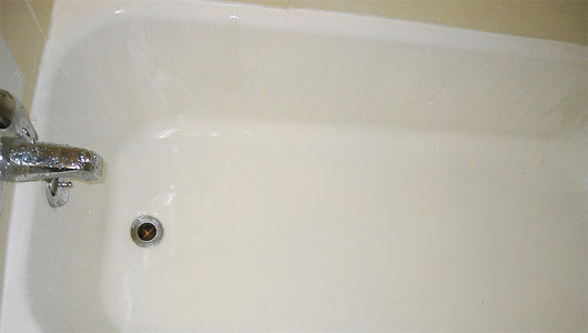 7 Sparkling Tricks To Get A Clean Bathtub