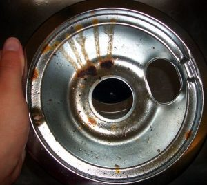 2 Natural Methods To Clean Stovetop Drip Pans